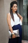 Parul Yadav Glamorous Photos-thumbnail-12