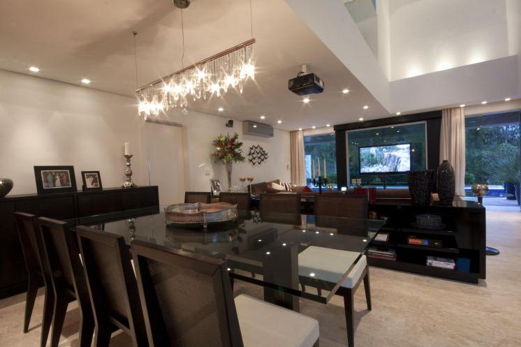 Sala Com Tv Giratoria ~ TV giratória – veja ambientes versáteis e integrados com essa
