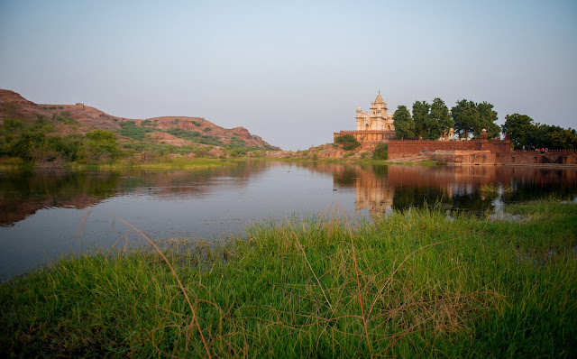 Next to the Mehrangarh Fort, is a lake and temple