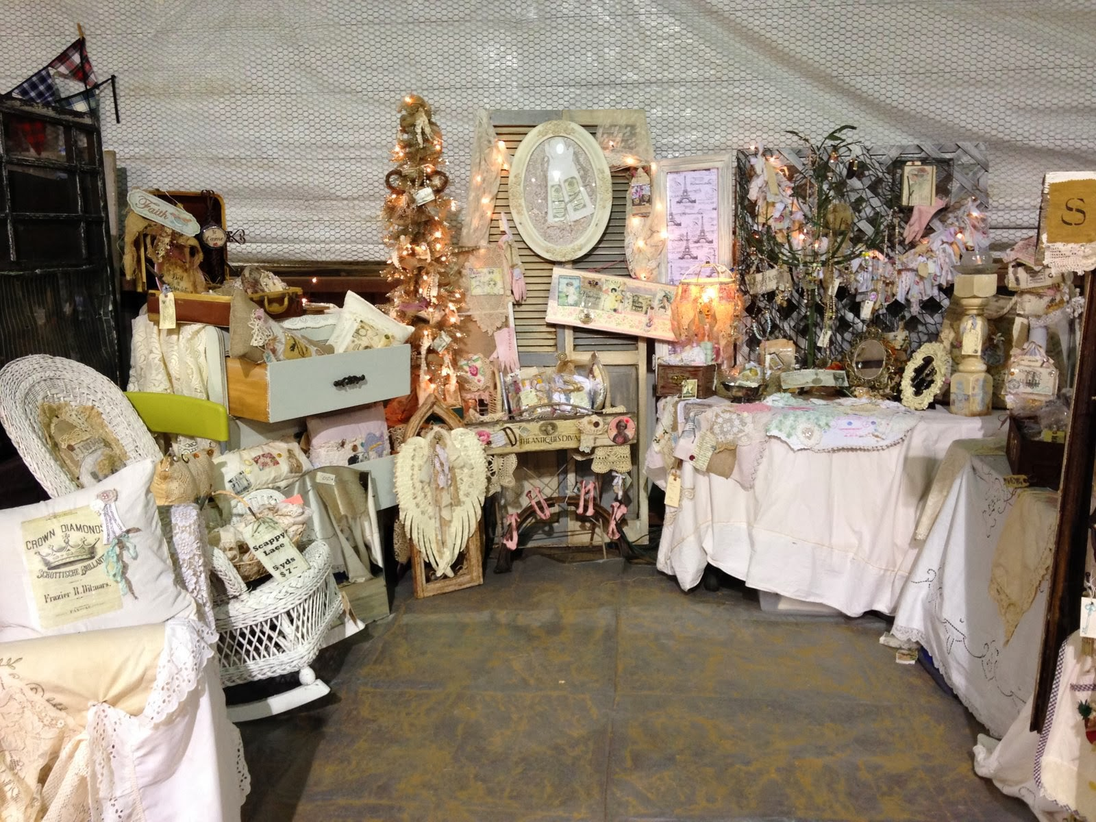 Barn Chic Antiques More Barn Sale Artisans And Designers