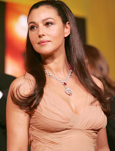 monica bellucci pregnant vanity fair pictures
