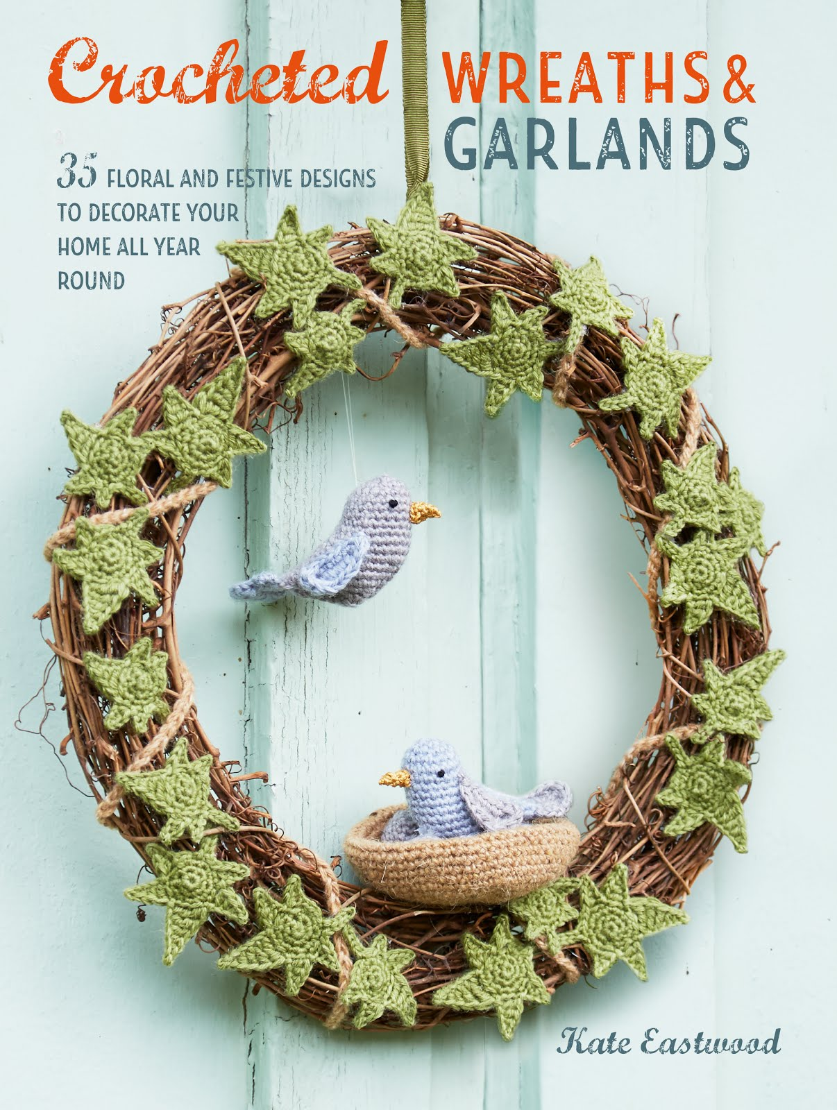 35 Crocheted Wreaths and Garlands