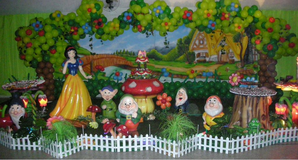 decoracao para festa infantil branca de neve:Festas Toni – Decoração de Festa Infantil: Branca de Neve e os 7