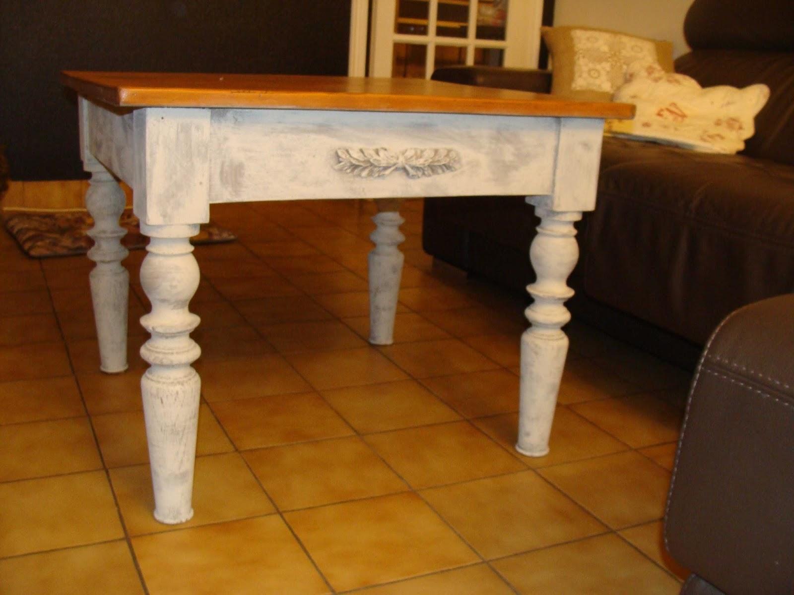 Nouvelle vie pour objets et meubles table basse for Peinture a lancienne effet glacis liberon