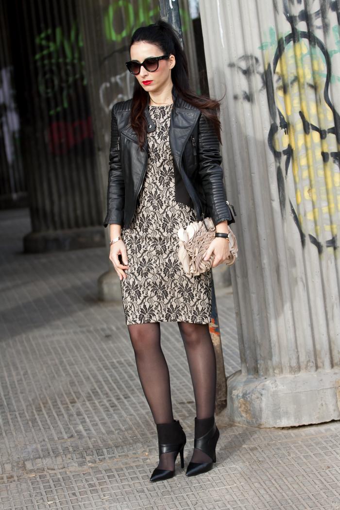 Outfit Estilismo Día de San Valentín con Vestido encaje  negro y nude de OLIMARA estilo romántico rock España Blogger moda y tendencias withorwithoutshoes