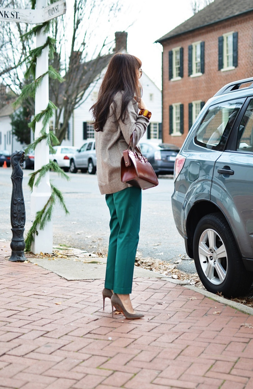 Suede Pumps Street Style