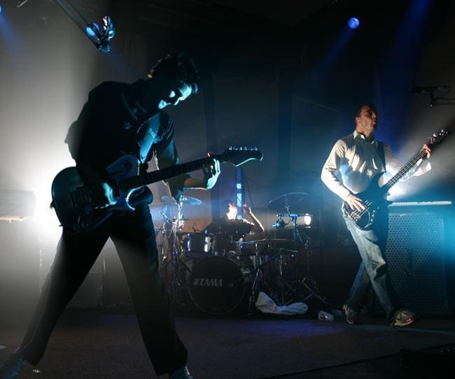 Muse on february 23 2007 muse concert held at istora senayan