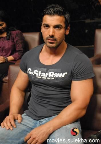 john-abraham-at-sa-re-ga-ma-pa-singing-s