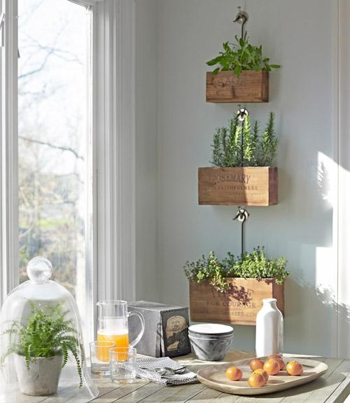 Decoraxpoco decorando con pales y cajas de madera for Ideas decorativas home