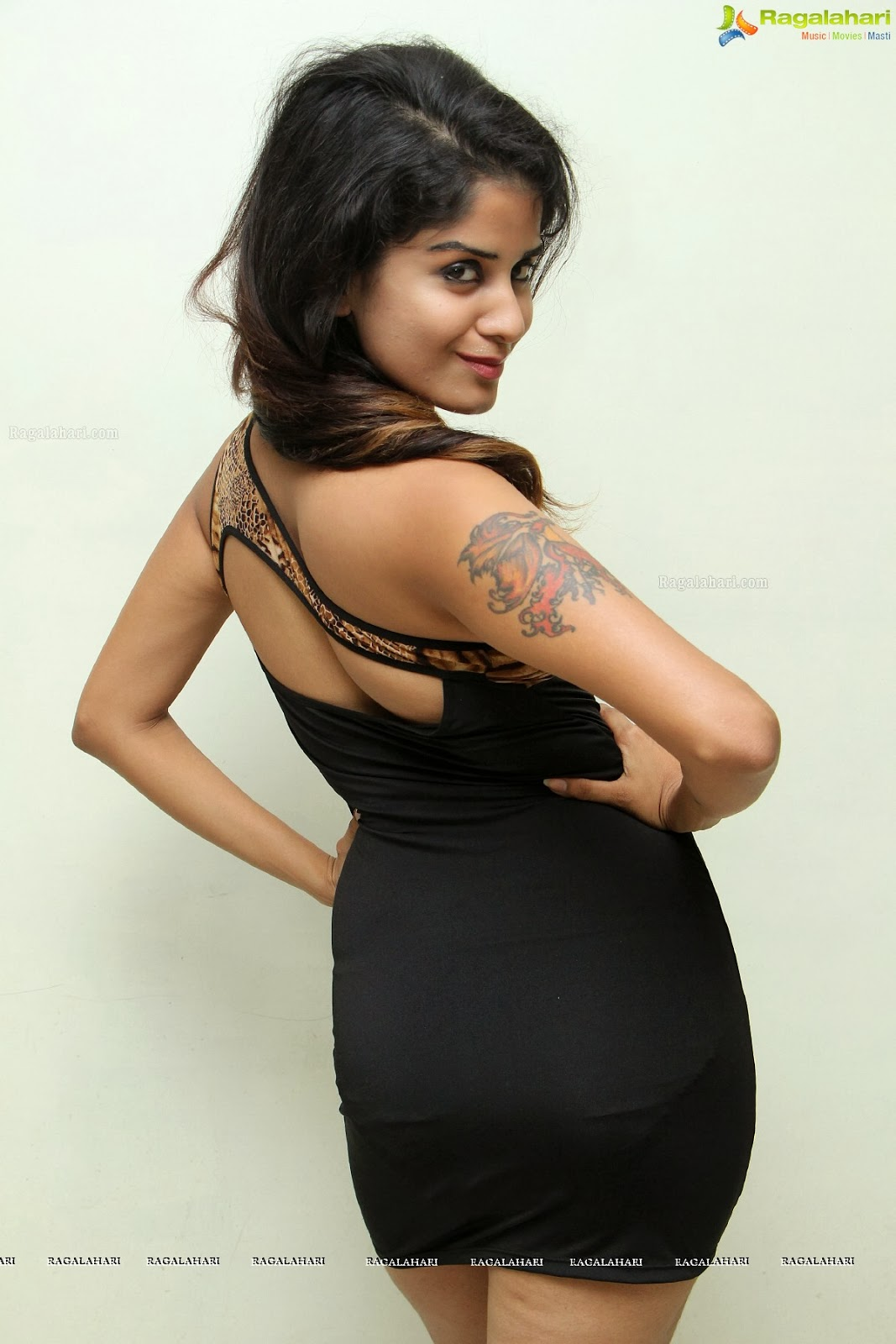 Hot Model Anukriti Govind Sharma