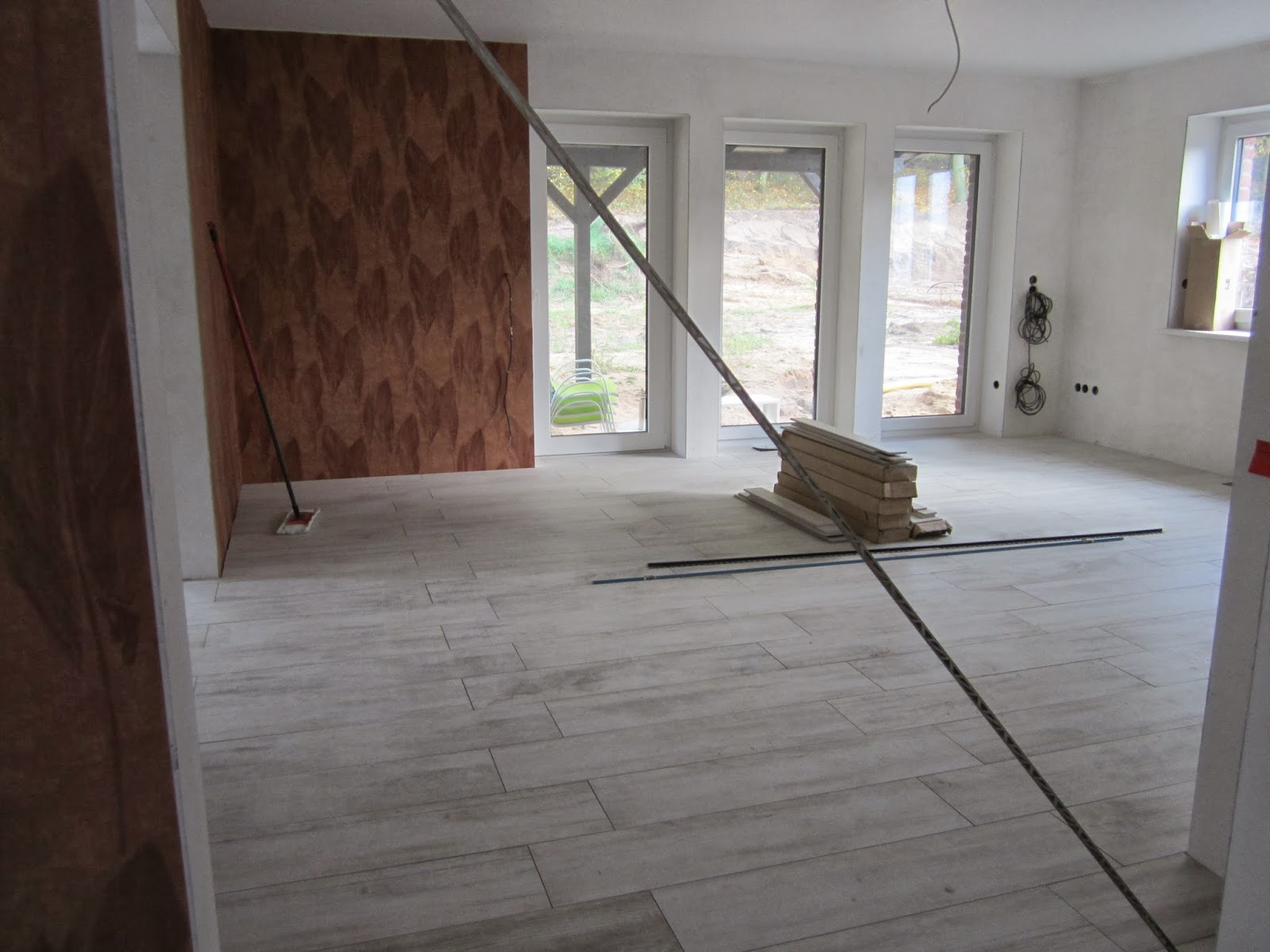 unser traum vom haus fliesen wohnzimmer und k che. Black Bedroom Furniture Sets. Home Design Ideas