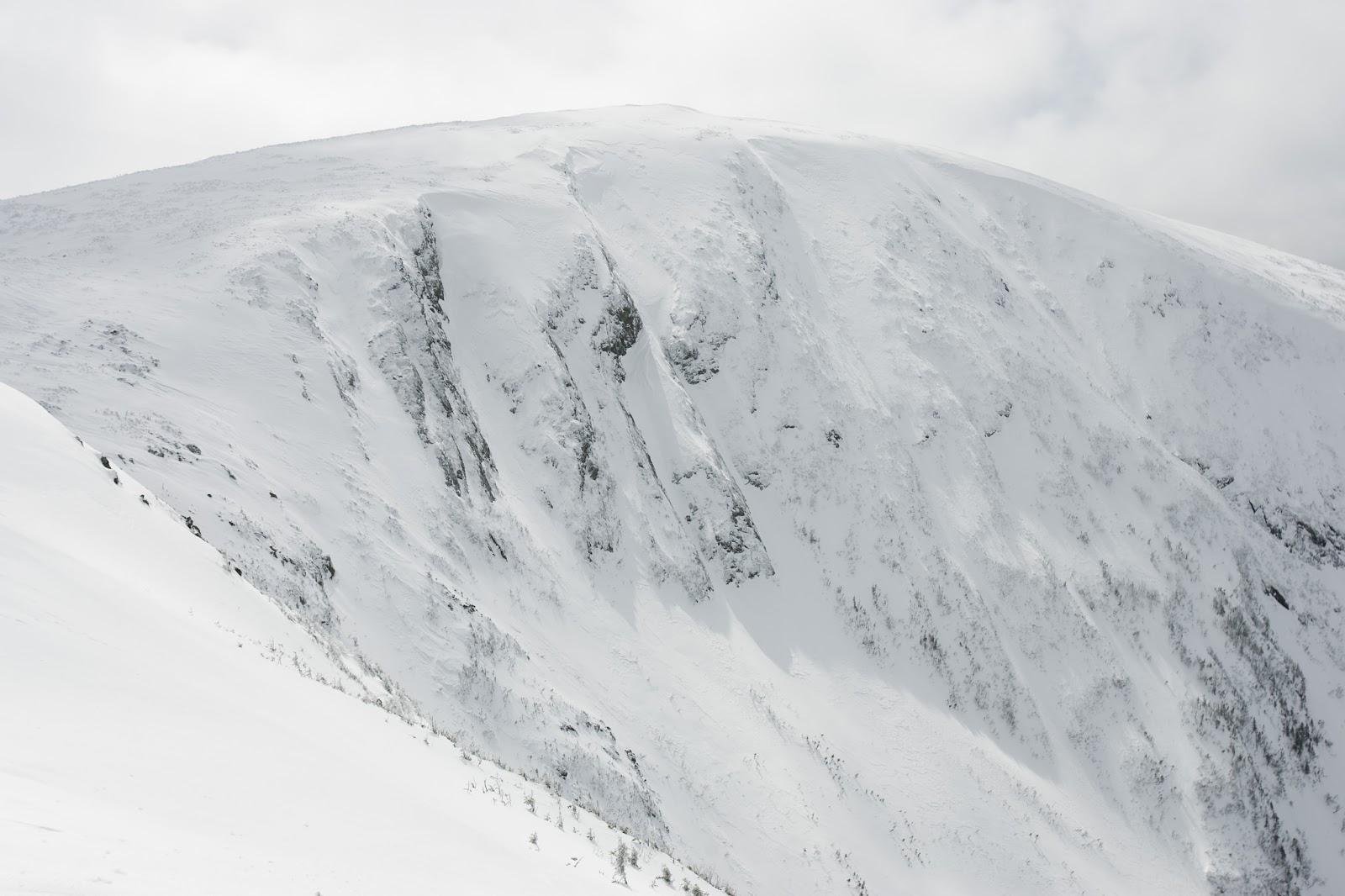 exploring-canada-winter-skiing-chic-chocs