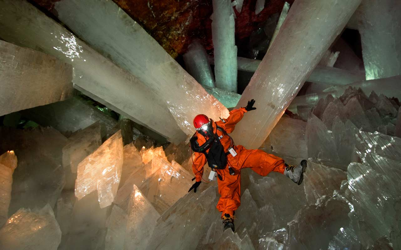 http://3.bp.blogspot.com/-NybGfyMR6xo/T0lvIqK3fBI/AAAAAAAACZo/fZKz3-xxmm4/s1600/crystal_cave_mexico_picture_5.jpg
