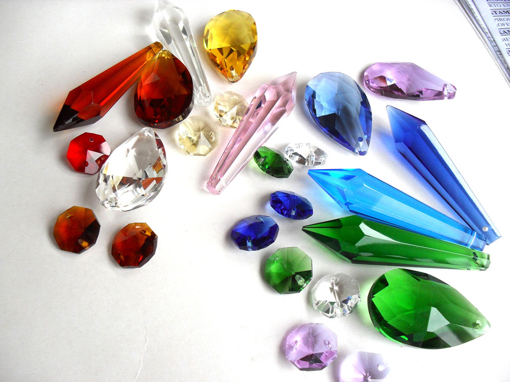 lagrimas de todos los colores para decorar lamparas y otros objetos