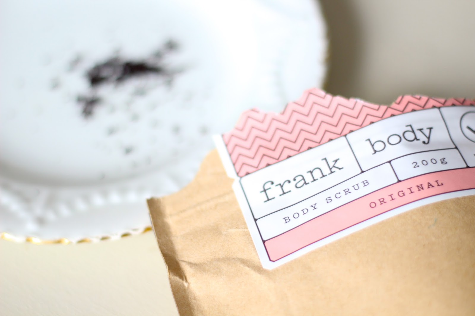 how to make frank body scrub
