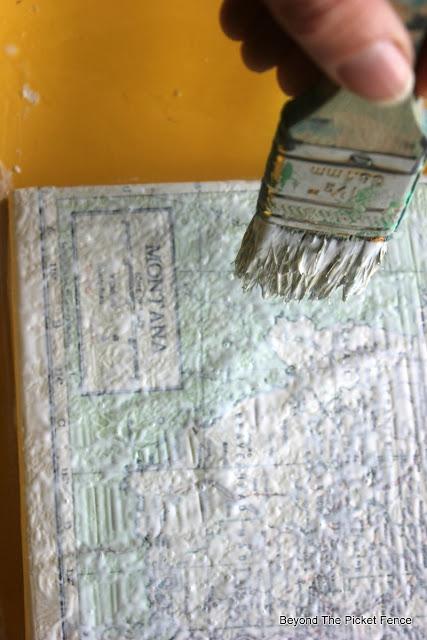 Modge Podge, decoupage, glue, canvas, vintage map, http://bec4-beyondthepicketfence.blogspot.com/2015/09/map-canvas.html