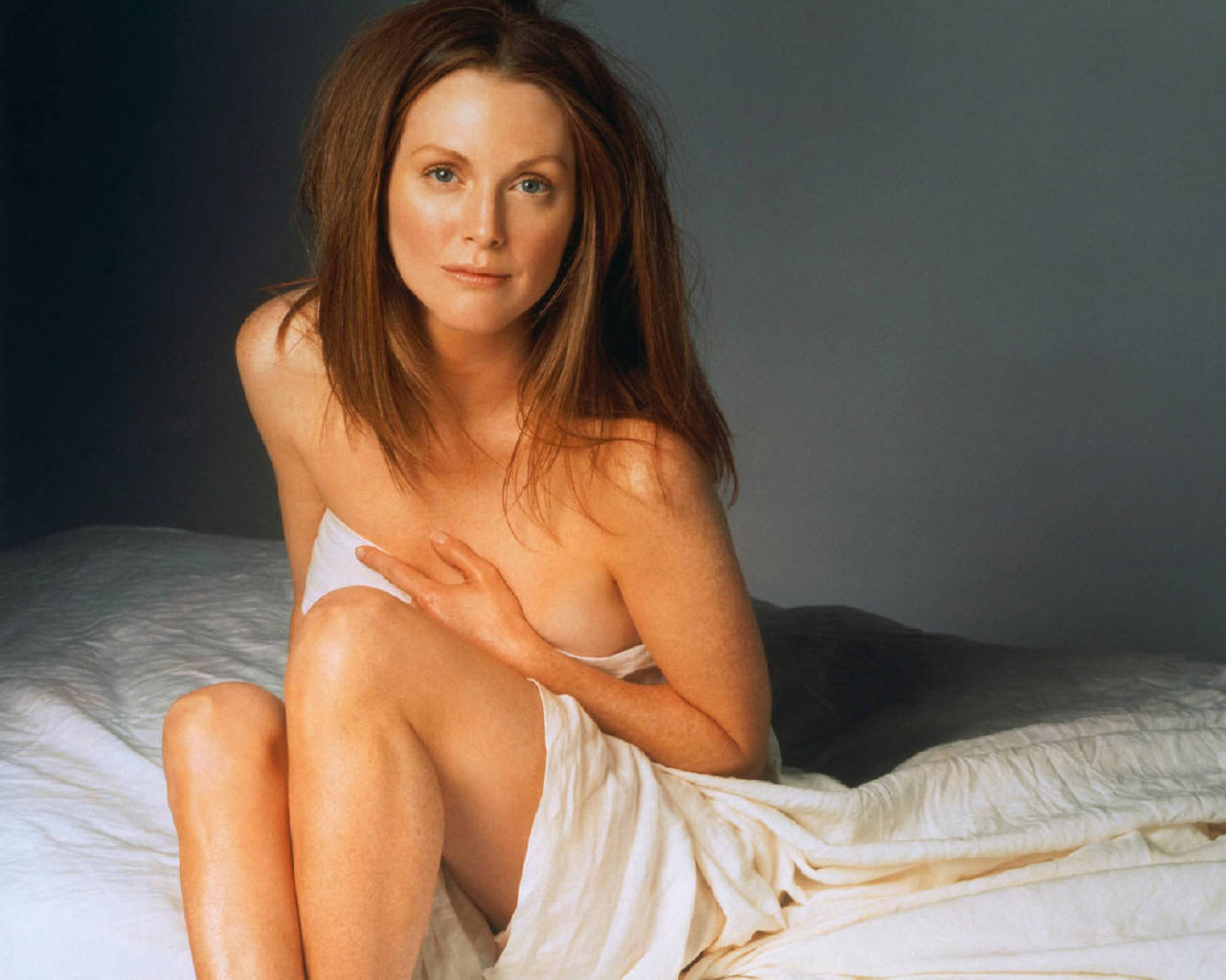 http://3.bp.blogspot.com/-NzCn0DbT19I/TaghnSre8LI/AAAAAAAADEU/XY-ODQ-cUbU/s1600/Julianne-Moore-julianne-moore-253334_1280_1024.jpg