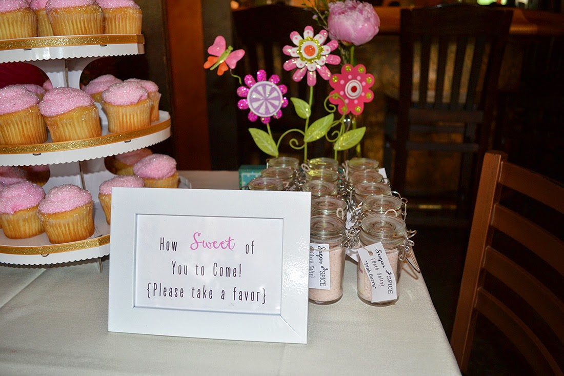 cupcakes and favors