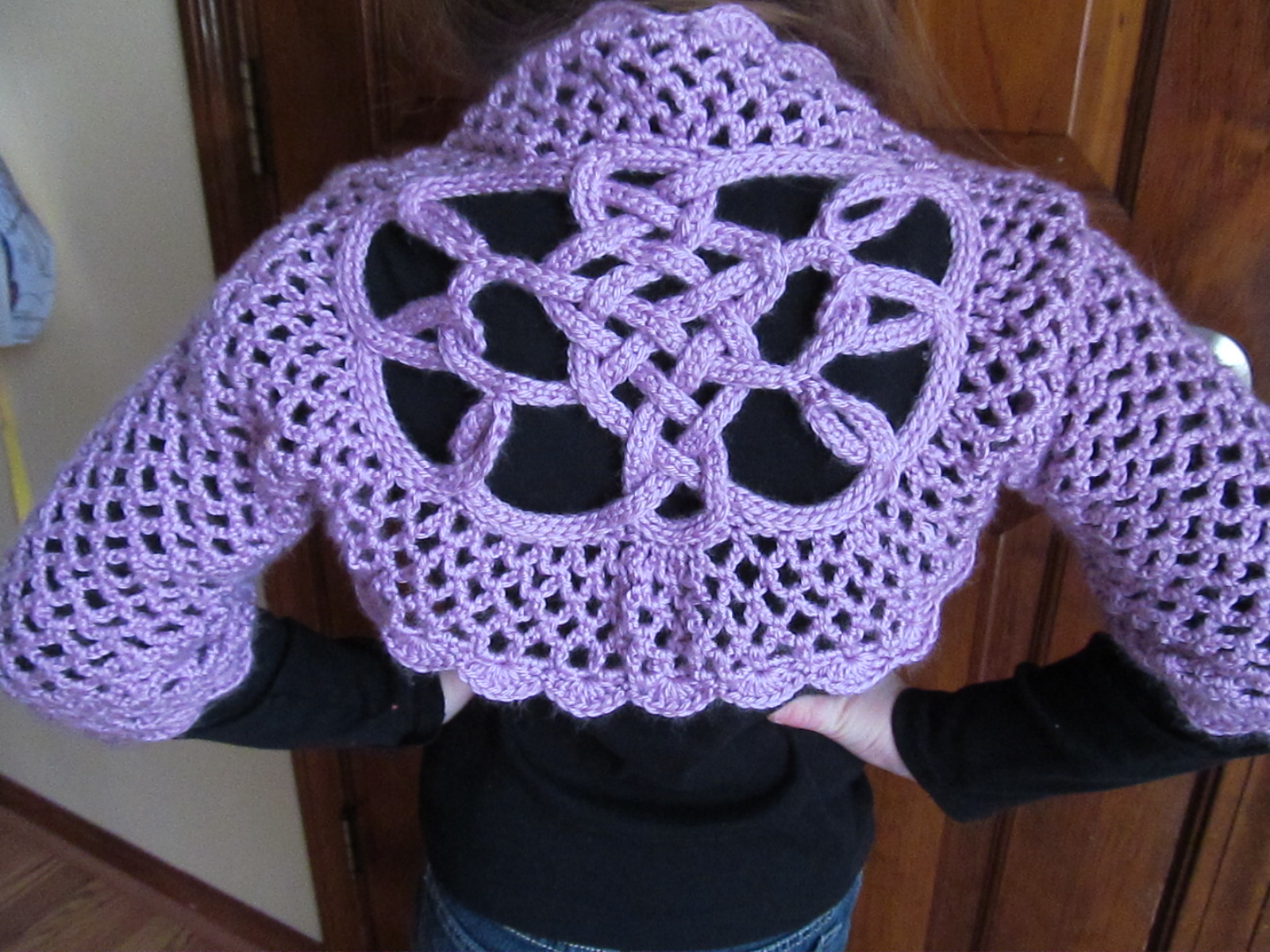 Crochet Knot : Celtic Knot Crochet: Lilac Shrug with Celtic Knot