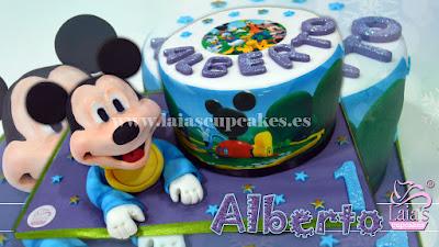 Tarta de fondant personalizada con modelado Mickey Laia's Cupcakes Puerto Sagunto