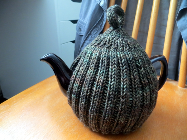 Easy Knitting Pattern For Tea Cosy : Tea-related knitting