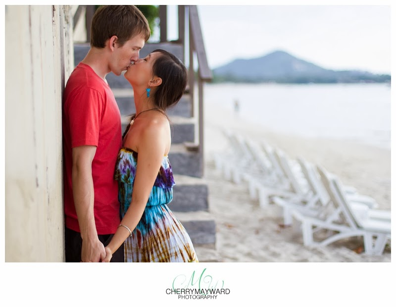 kissing on the beach, lovely photo of couple kissing on the beach, thailand kiss, koh samui kissing photo, beach photo, couple kissing on the beach, thailand, koh samui, happy,