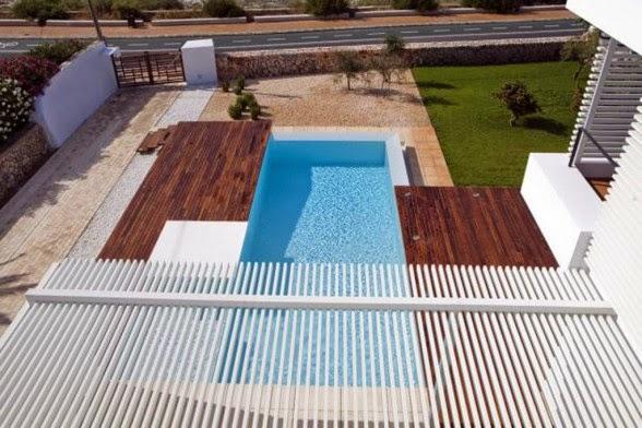 Desain Rumah Dengan Kolam Renang tampak dari atas
