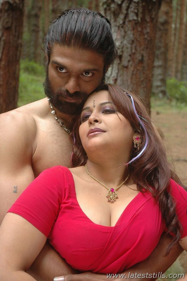 mallu aunty sexy images ~ www.actresshotimages1000.blogspot.com
