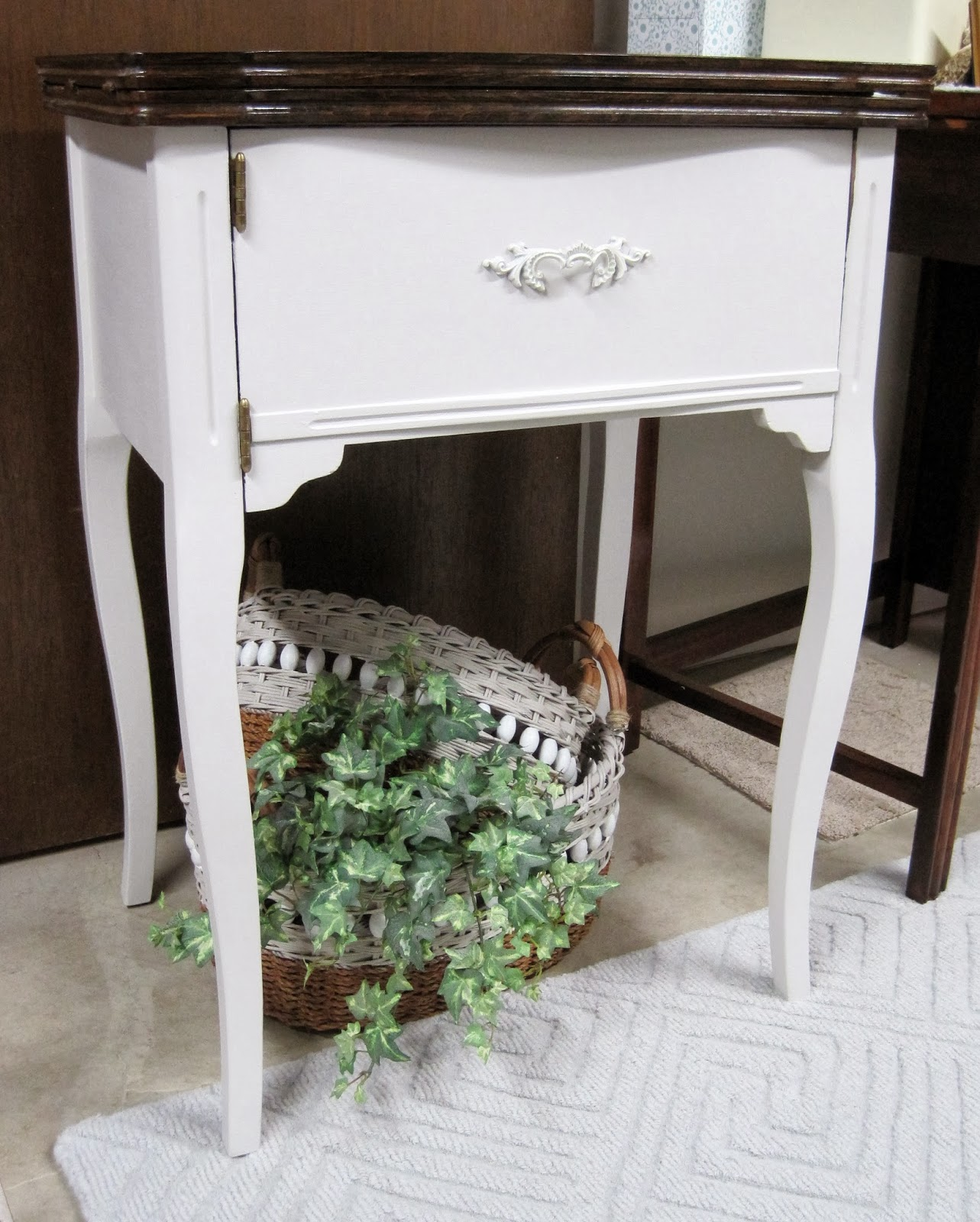On Crooked Creektt: Sewing Machine Cabinet Make~Over.
