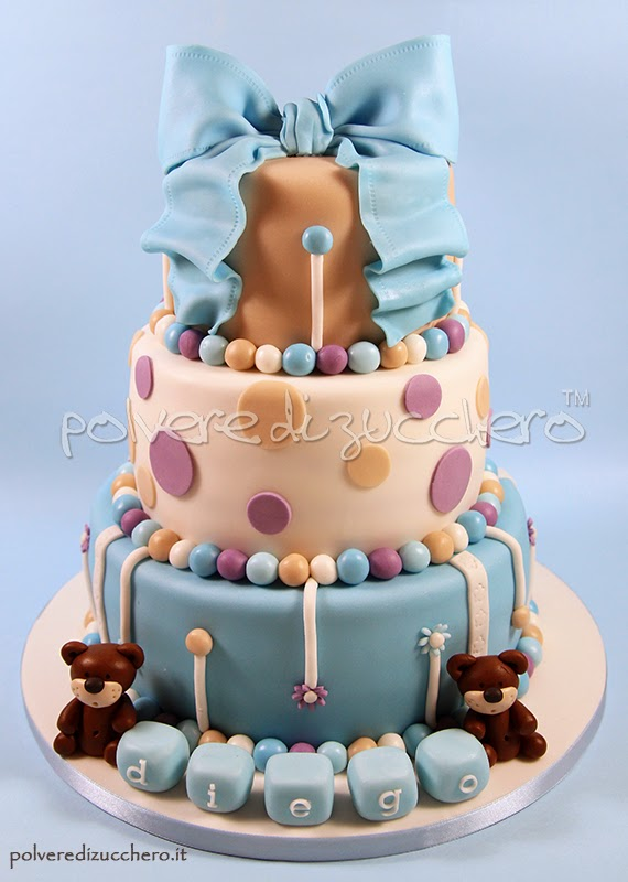 battesimo torta a 3 piani decorata per un bimbo con