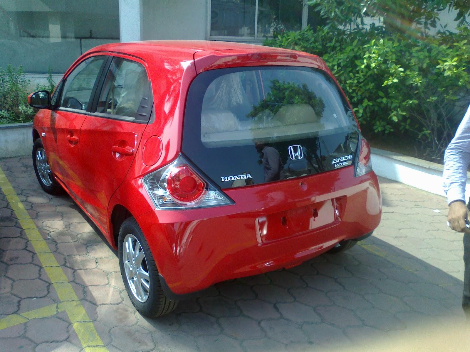 http://3.bp.blogspot.com/-O01YL7c9IcQ/UGBT_9EI5-I/AAAAAAAAiQI/yJazmk3Ckfs/s1600/New-Honda-Brio+-Automatic+-transmission+-+India-2.jpg