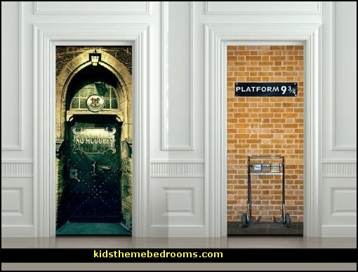Decorating theme bedrooms maries manor harry potter for Door mural decals