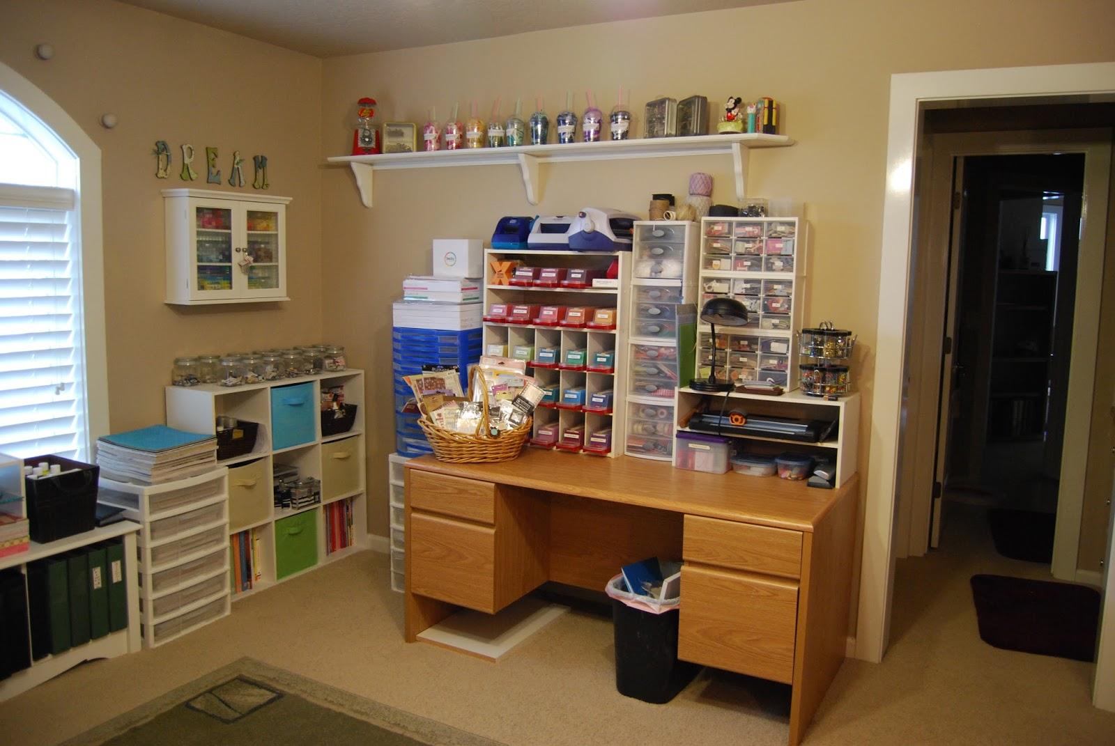 Erratic Project Junkie: Scrapbook Room Clean Up