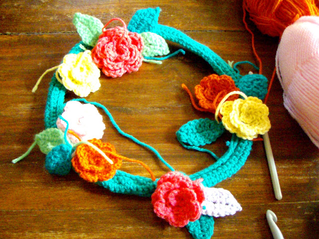 may flower crochet wreath