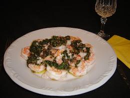 Camarão no Vapor com Salsa Verde e Alcaparras