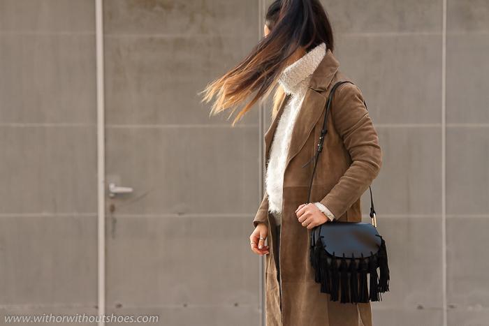 Blog de moda de Valencia look streetstyle abrigo ante bolso de flecos borlas
