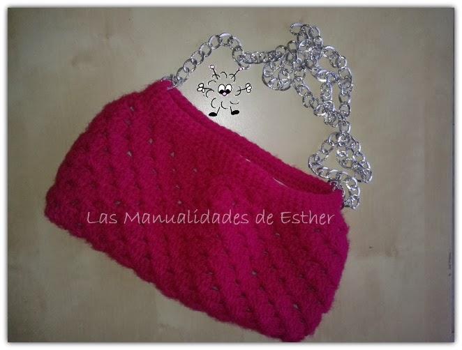 bolso hobo realizado a crochet con lana burdeos
