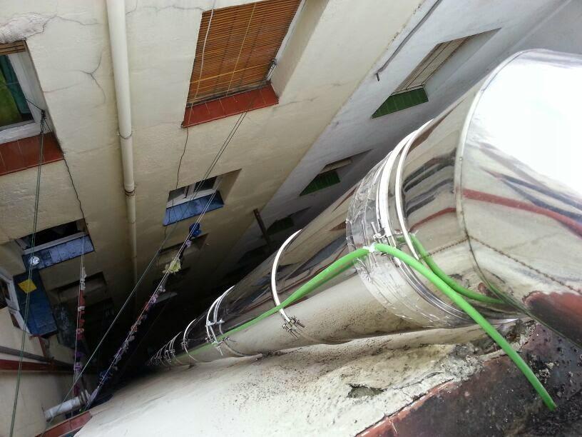 Reparaci n campanas extractoras en cocinas de casas - Tubos extraccion de humos ...
