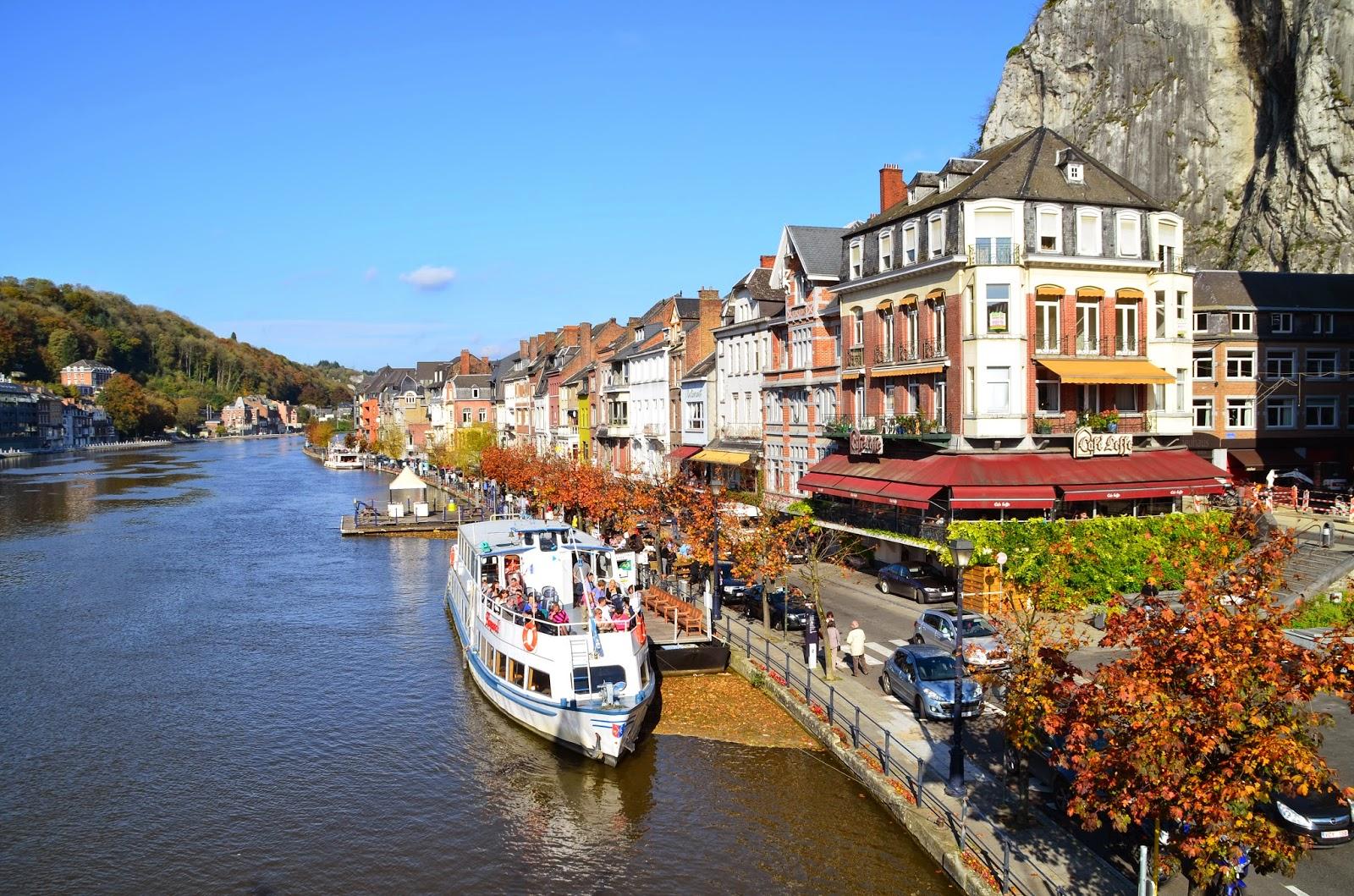 Ardennes, Moto, Dinant, Abbaye de Maredsous, Givet, Belgique