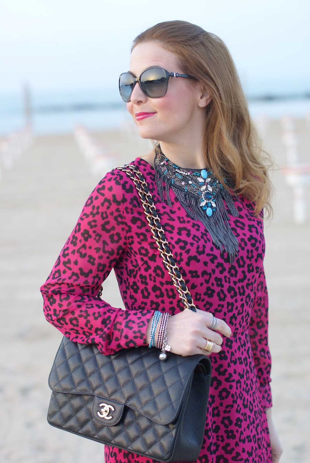 SimonaB Bijoux collana, borsa Chanel 2.55 caviar, Romwe pink leopard dress, Fashion and Cookies fashion blog