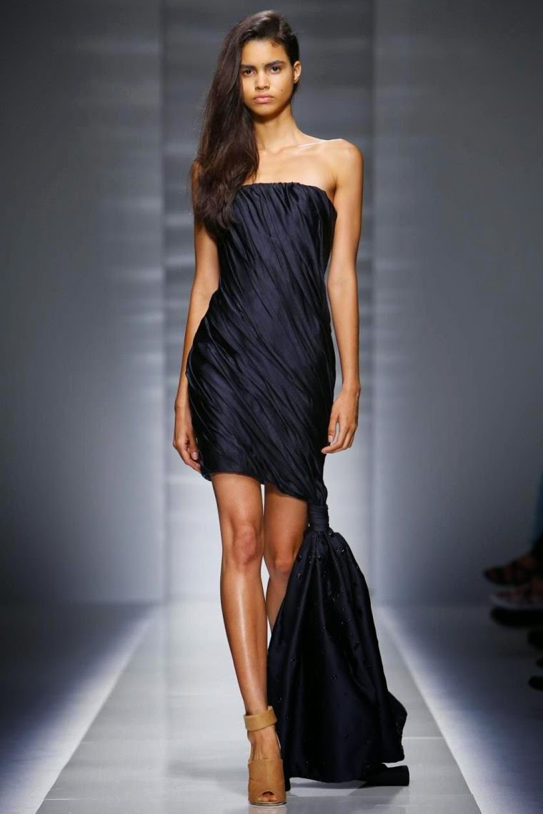 Vionnet-Couture-Fall-Winter-2014-2015, Vionnet-Couture-Fall-Winter-2014, Vionnet-Couture-Fall-Winter-2015, Vionnet-Couture-2014-2015, Vionnet-Couture-2014, Vionnet-Couture-2015, Vionnet-Haute-Couture, Vionnet-Hussein-Chalayan, Hussein-Chalayan, du-dessin-aux-podiums, dudessinauxpodiums, robe-cocktail, robes-de-soiree, robe-soirée, robe-mariée, robe-été, robes-de-cocktail, womens-robe, petite-robe-noire, robe-blanche, robe-bustier, robe-de-bal, robe-portefeuille, robes-cocktail, robes-de-mariage, robe-soire, robe-de-demoiselle-d-honneur, robe-de-soirée-pour-mariage