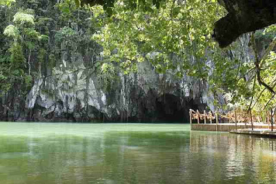 photo of Puerto Princesa Underground River entrance