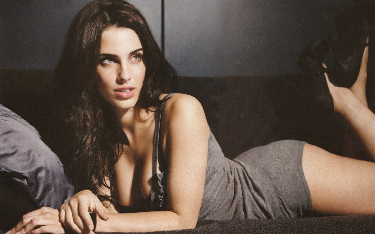 JESSICA LOWNDES_WALLSTOWN_IN_HOLLYWOOD ACTRESS_HOLLYWOOD CELEBRITIES