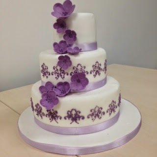 1000  images about Cakes on Pinterest | Wedding cakes, Green ...