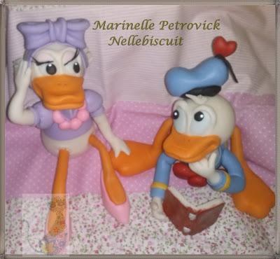 Peça criada por Marinelle Petrovick - Nellebiscuit totamente modelada a mão,