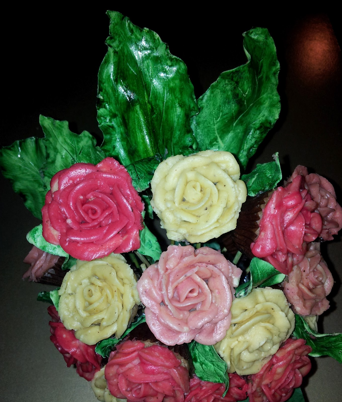 Gobsmacked Cakes How To Make A Butter Cream Rose Cupcake Bouquet