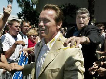 Eggs Thrown At Arnold Schwarzenegger