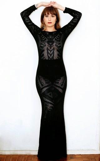 Bianca Jahara abre o guarda-roupa e mostra seus looks: o vestido de látex é queridinho da apresentadora