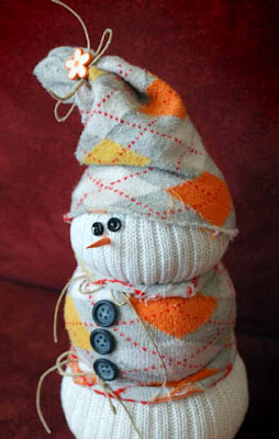 muñeco nieve juguete hecho con calcetines