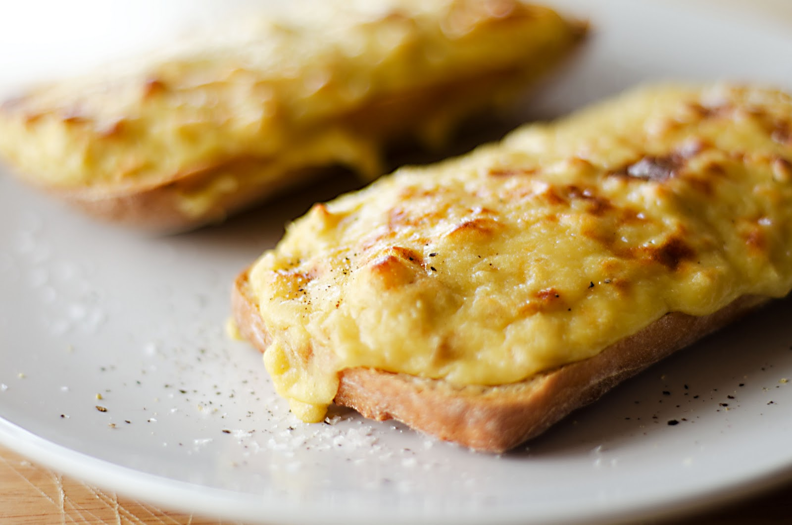 Welsh Rarebit a fabulous, warming autumn lunch. Really simple and ...